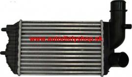 Alfa 145, 146 6/94-00 chladič vzduchu 1,9 TD